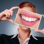 Comment avoir de belles dents et éviter les caries ?